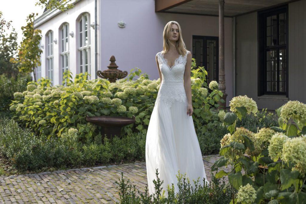 Collection Modeca - Robe Dante - Tout pour la mariée à Evian - Robes de mariage, coiffure, maquillage, fleurs, onglerie