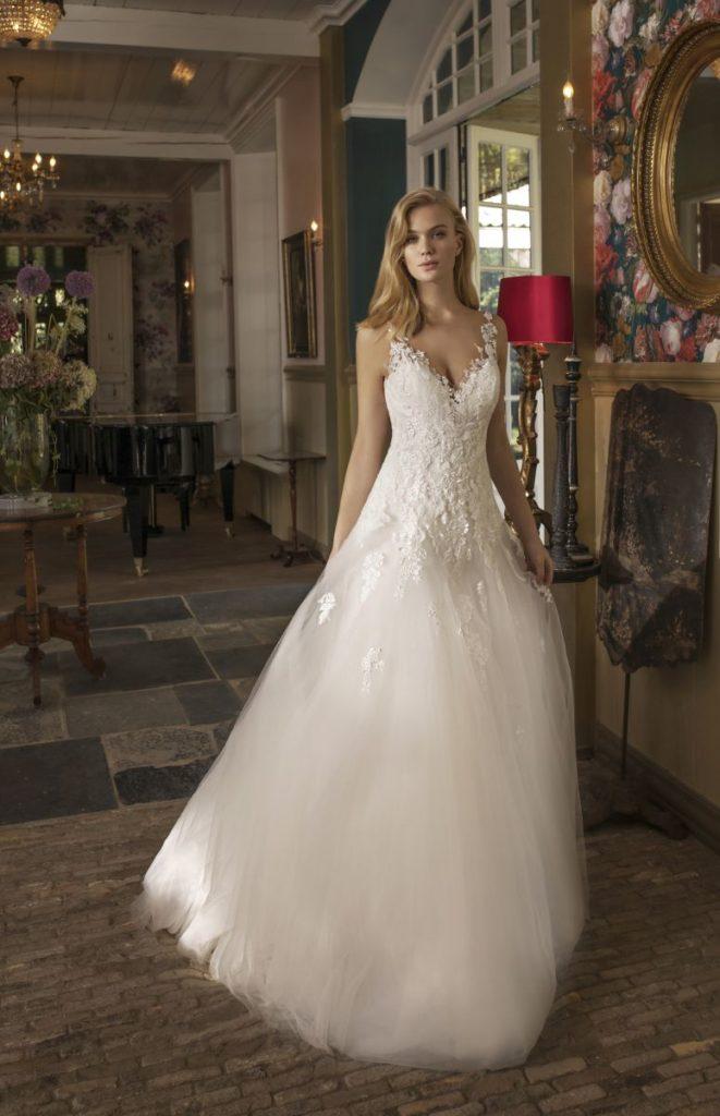 Collection Modeca - Robe Dora - Tout pour la mariée à Evian - Robes de mariage, coiffure, maquillage, fleurs, onglerie