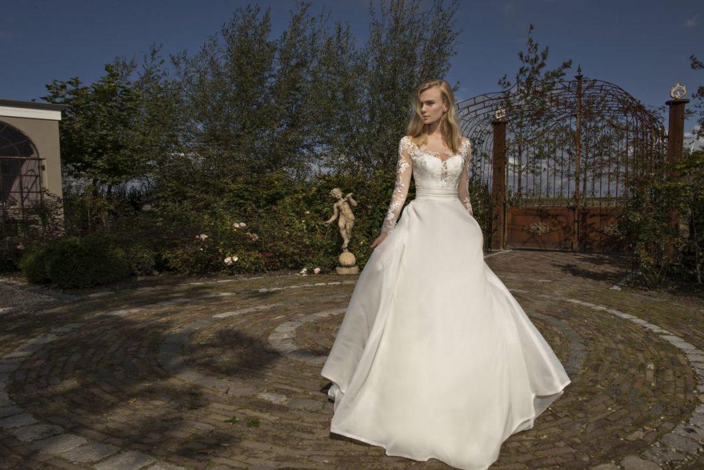 Collection Modeca - Robe Dream - Tout pour la mariée à Evian - Robes de mariage, coiffure, maquillage, fleurs, onglerie
