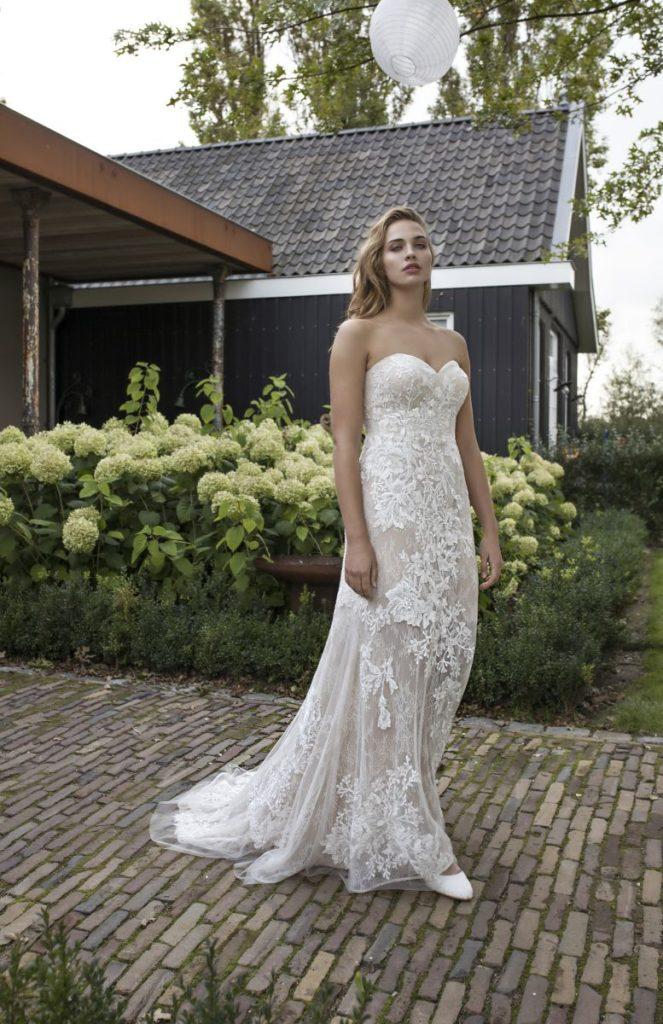 Collection Modeca - Robe Dubai - Tout pour la mariée à Evian - Robes de mariage, coiffure, maquillage, fleurs, onglerie
