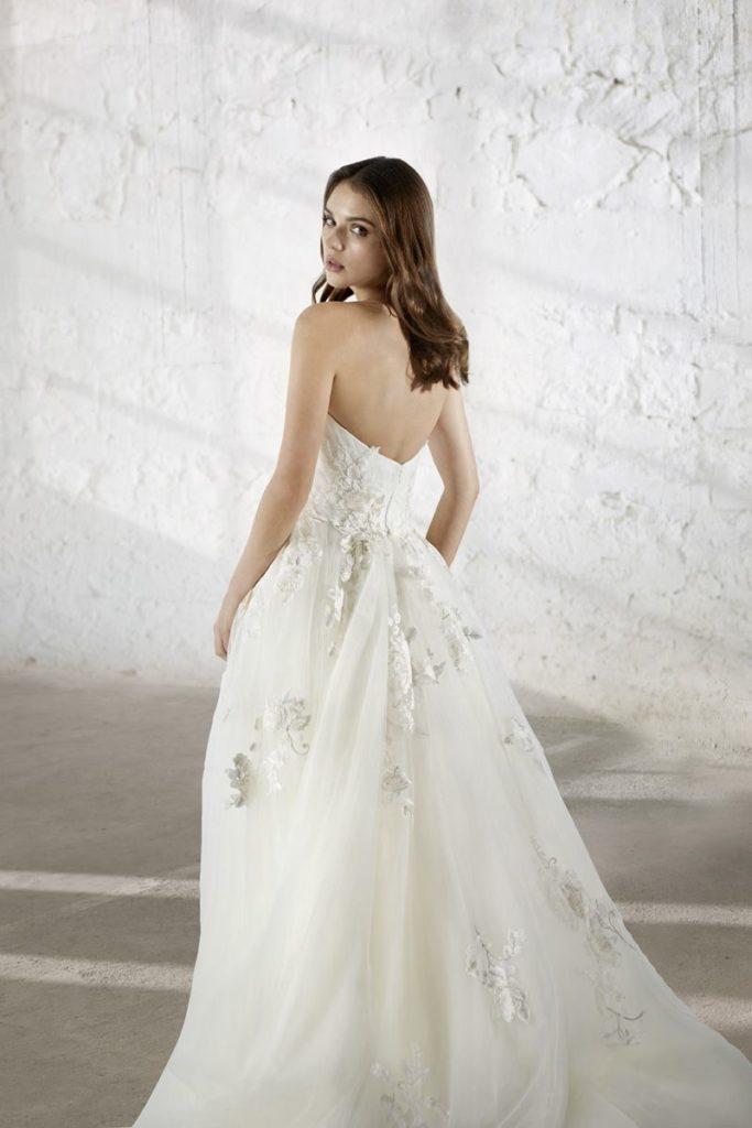 Collection Modeca - Robe Eleanora-A - Tout pour la mariée à Evian - Robes de mariage, coiffure, maquillage, fleurs, onglerie