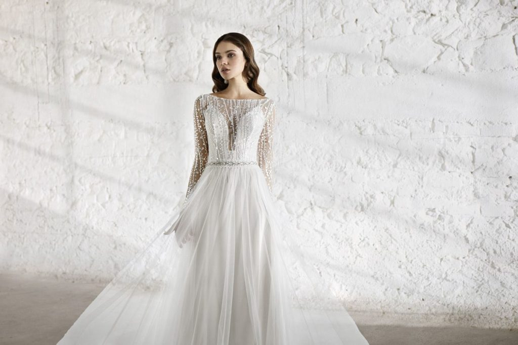 Collection Modeca - Robe Elena - Tout pour la mariée à Evian - Robes de mariage, coiffure, maquillage, fleurs, onglerie