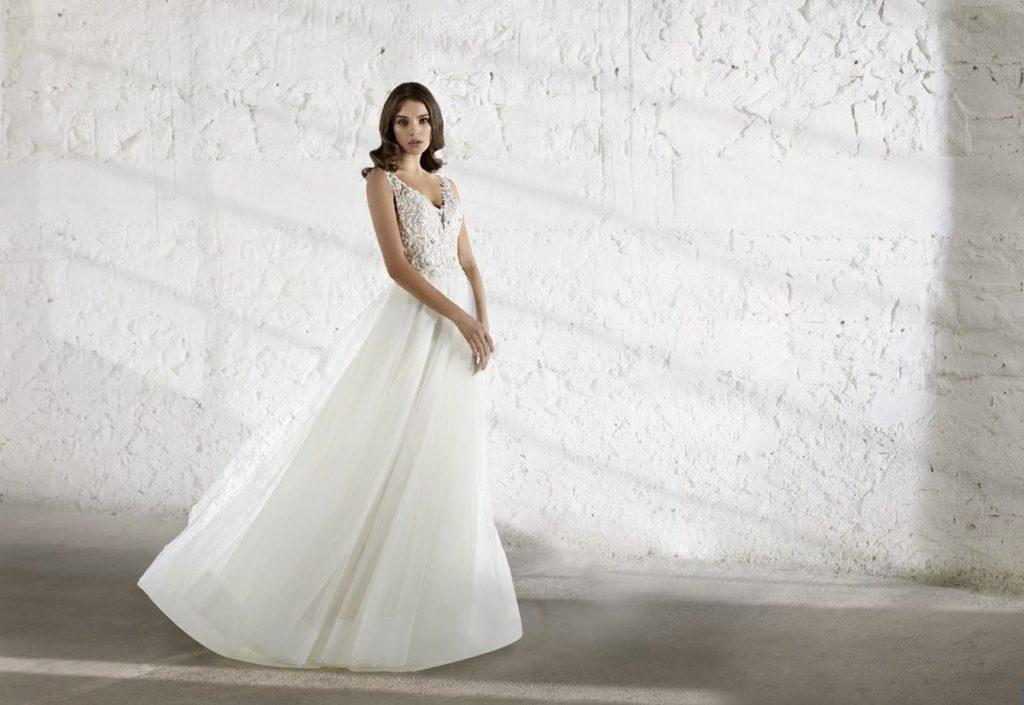 Collection Modeca - Robe Emera - Tout pour la mariée à Evian - Robes de mariage, coiffure, maquillage, fleurs, onglerie