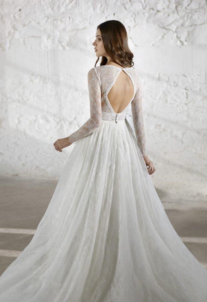 Collection Modeca - Robe Erin - Tout pour la mariée à Evian - Robes de mariage, coiffure, maquillage, fleurs, onglerie