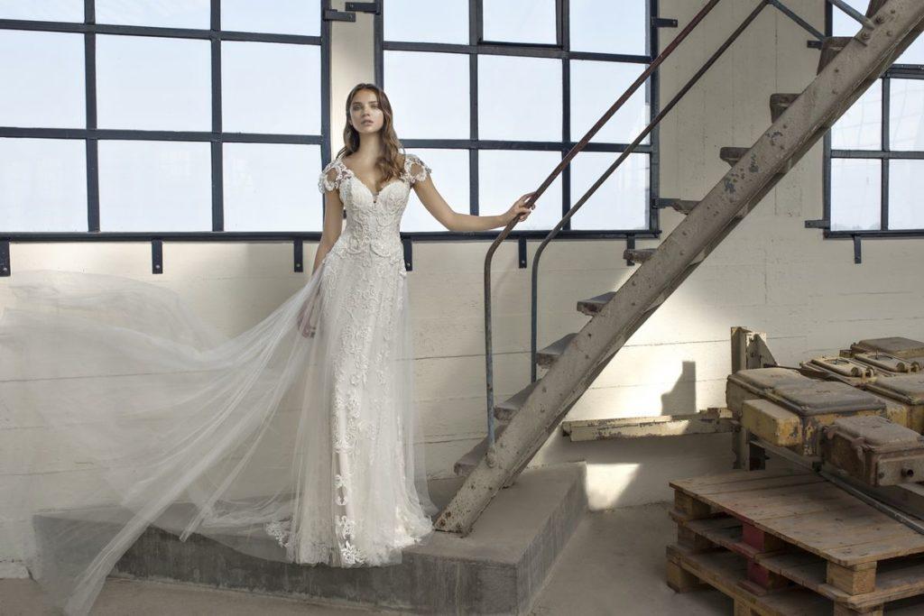 Collection Modeca - Robe Estelle - Tout pour la mariée à Evian - Robes de mariage, coiffure, maquillage, fleurs, onglerie