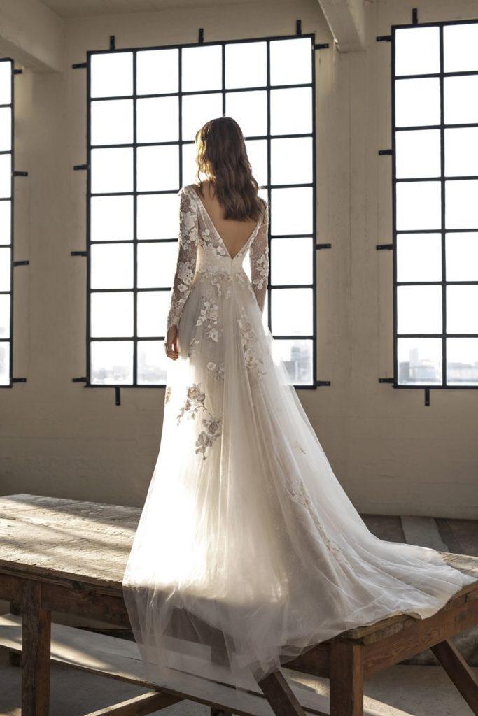 Collection Modeca - Robe Eva - Tout pour la mariée à Evian - Robes de mariage, coiffure, maquillage, fleurs, onglerie