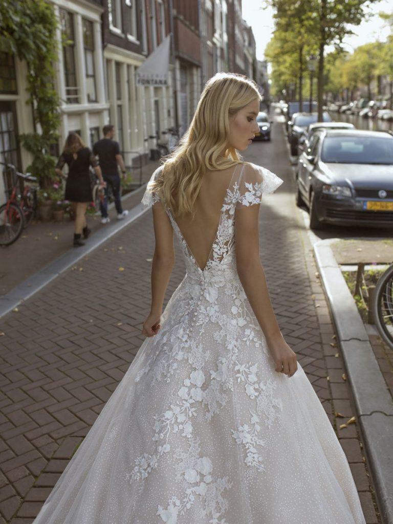 Collection Modeca 2020 - Robe Finley - Tout pour la mariée à Evian - Robes de mariage, coiffure, maquillage, fleurs, onglerie