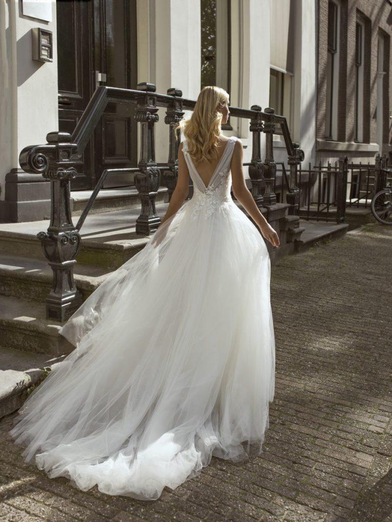 Collection Modeca 2020 - Robe Frilly - Tout pour la mariée à Evian - Robes de mariage, coiffure, maquillage, fleurs, onglerie