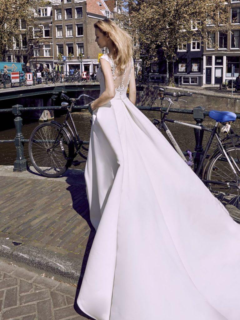 Collection Modeca - Robe Annabel - Tout pour la mariée à Evian - Robes de mariage, coiffure, maquillage, fleurs, onglerie