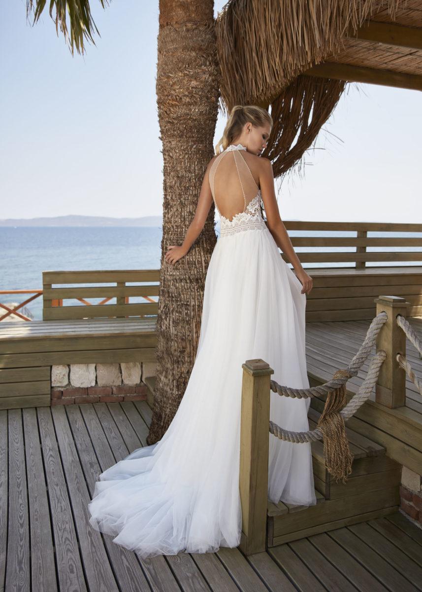Collection Hervé Paris 2021 - Robe Vernon - Tout pour la mariée à Evian - Robe de mariage - Coiffure - Maquillage - Fleurs - Onglerie - Photographie de famille