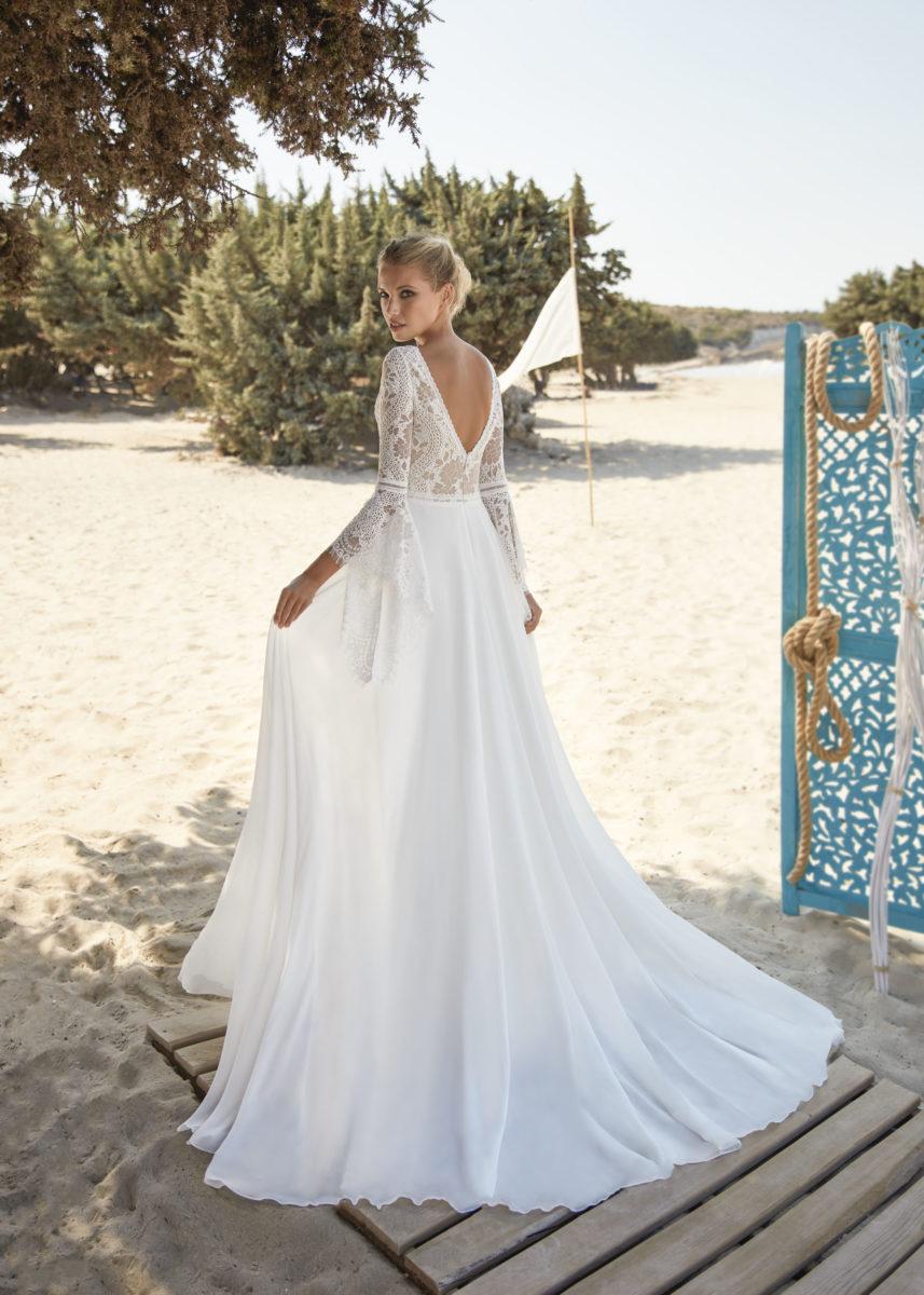 Collection Hervé Paris 2021 - Robe Vias - Tout pour la mariée à Evian - Robe de mariage - Coiffure - Maquillage - Fleurs - Onglerie - Photographie de famille