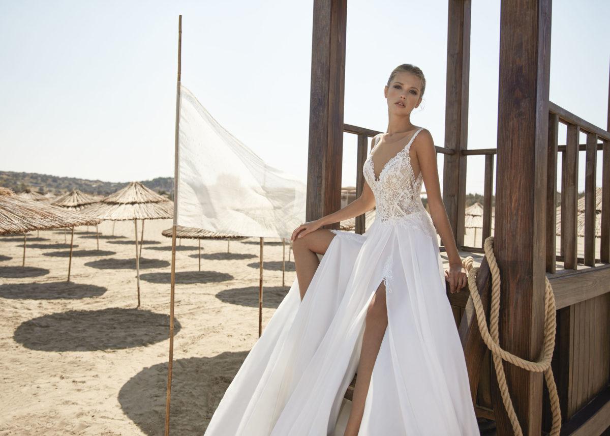 Collection Hervé Paris 2021 - Robe Vivonne - Tout pour la mariée à Evian - Robe de mariage - Coiffure - Maquillage - Fleurs - Onglerie - Photographie de famille